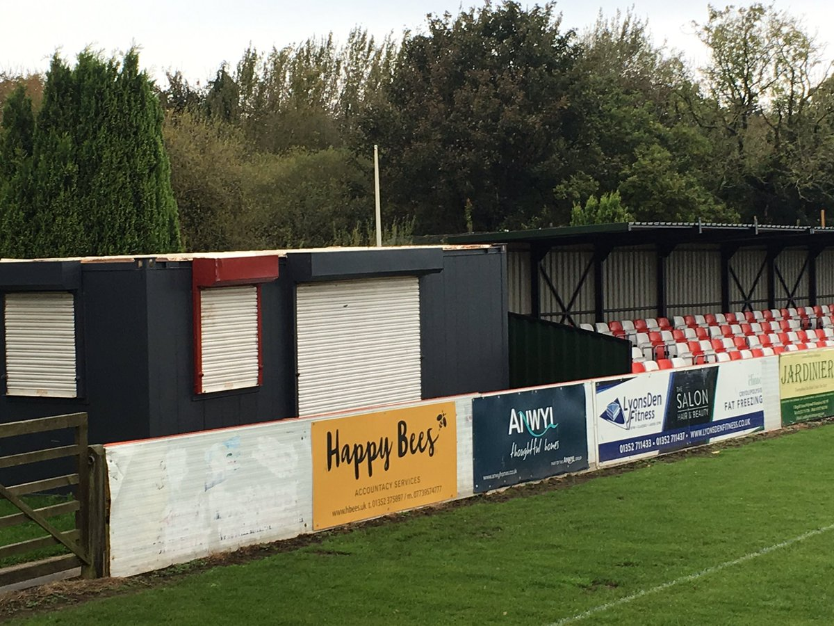 Great to catch up with the team at @HolywellTownFC this morning, exciting things are ahead! Nice to see our old cabins revived too #partners <br>http://pic.twitter.com/HVRnzRIlXG