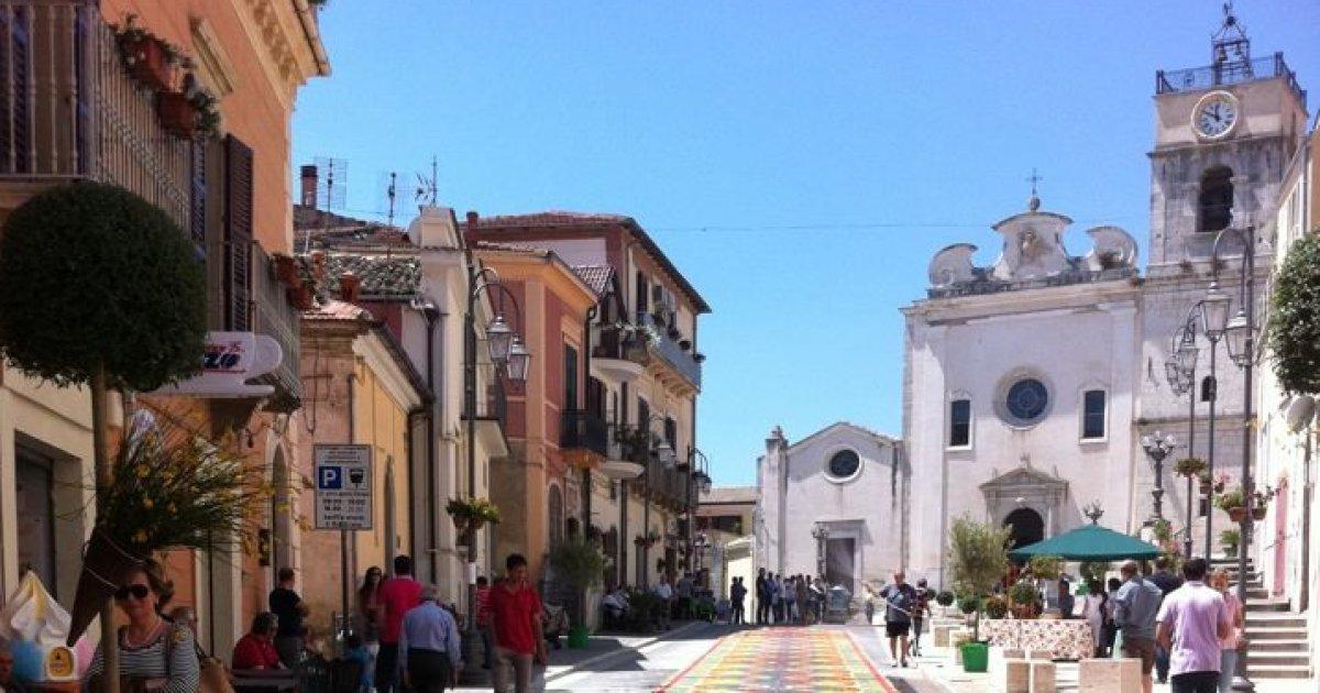 Questo paese della Puglia offre 2 mila euro a chiunque voglia trasferirsi lì https://t.co/TkUiIqkXyf