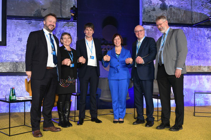 #TallinnCall4Action aims to mobilise support for research and innovation in Europe #Research4FutureEU  http:// researchinestonia.eu/2017/10/tallin n-call-action-aims-mobilise-support-research-innovation-europe/ &nbsp; … <br>http://pic.twitter.com/IcwTQQDLel