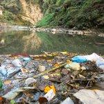 Jeden Tag gelangt mehr #Plastikmüll in unsere Gewässer! Auch Unternehmen müssen auch die Verantwortung übernehmen: https://t.co/XD0kVedYgQ