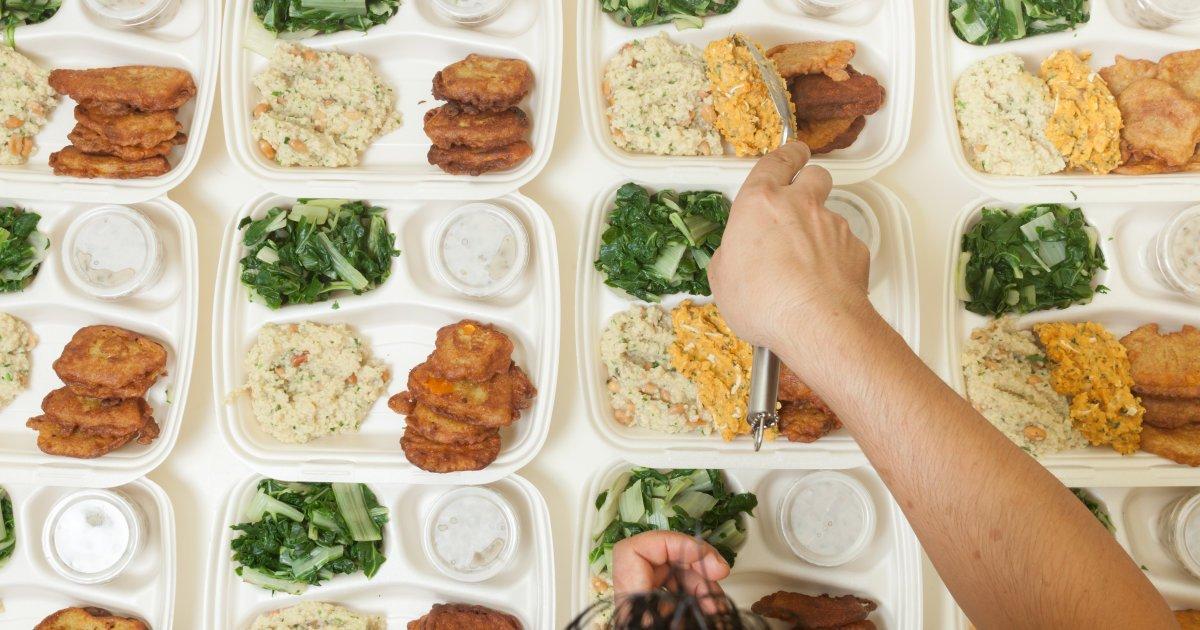 'Il ragazzo è incapace di nutrirsi da solo'. Disabile lasciato senza cibo a scuola https://t.co/lxhgBABHxa