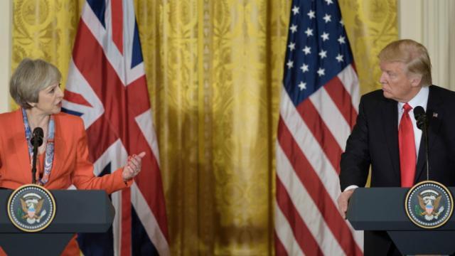 "Trump incorrectly links rise in UK crime rate to ""Radical Islamic terror"": https://t.co/Ox9QHILhoA https://t.co/olqC3ub5dD"