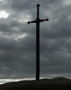 引き抜かれたエクスカリバー、湖で少女がみつけた謎の剣、雪山で発見された謎のバイキ...