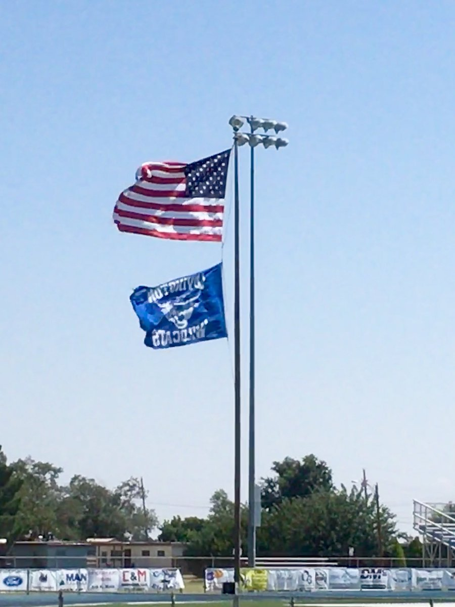 Great Day to be young and a Wildcat! God Bless America and God Bless the Wildcats! #FE <br>http://pic.twitter.com/obY3eaUjF8