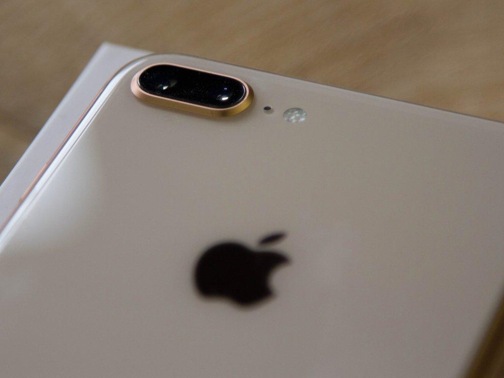 まさかの修正。iPhone 8の生産量が半分にカットされるとの報道 https://t.co/4lR38XV4Dq