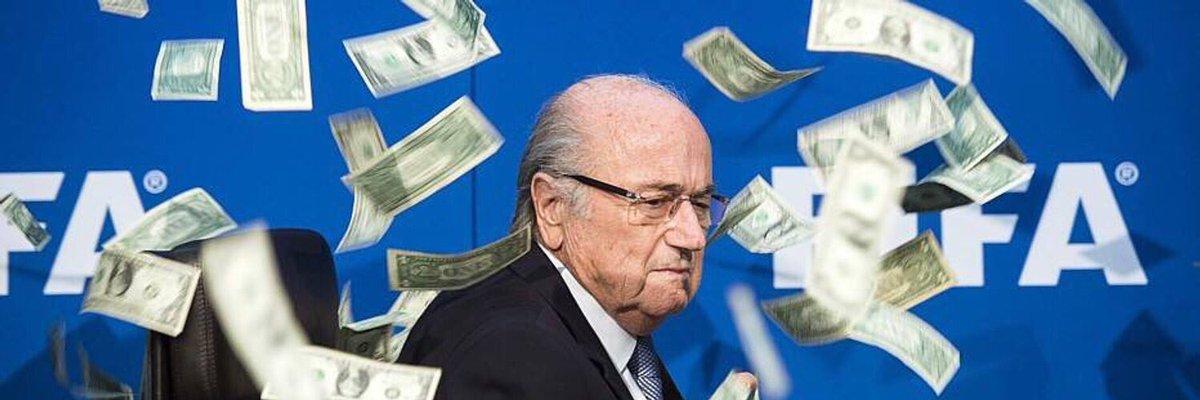 Blatter vai à Rússia para a Copa do Mundo a convite de Putin. Sugestão de foto para a reportagem 👇🏻