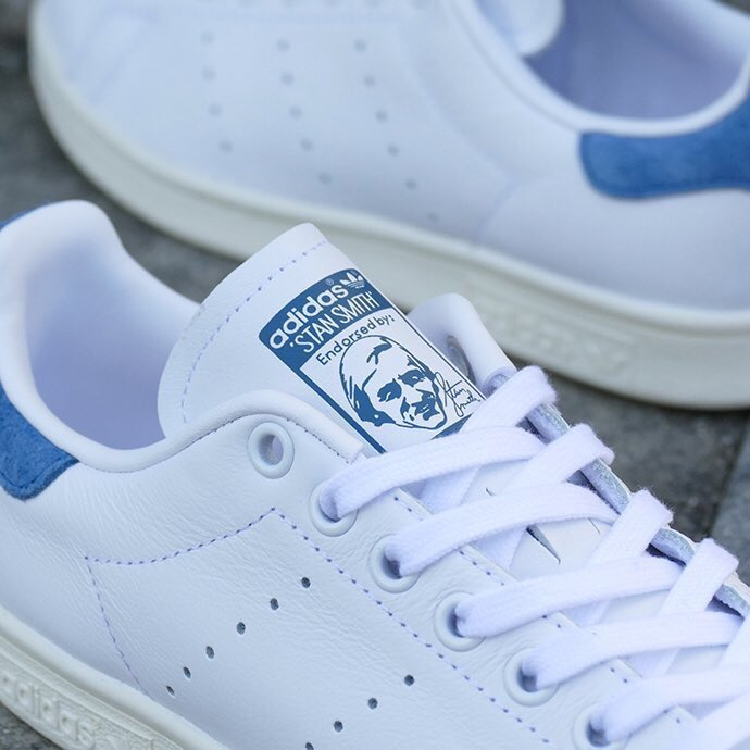 adidas Originals STAN SMITH W RUNNING WHITE/RUNNING WHITE/CORE BLUE ⇒ http:// sneaker-place.com/adidas/4164  &nbsp;   #ADIDAS #STANSMITH #スニーカー<br>http://pic.twitter.com/DTF0bYC1pi