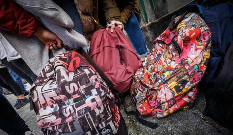 #Sociedade Parlamento quer mochilas escolares mais leves https://t.co/iskfPuFIhE Em https://t.co/MDmhqgtnSp