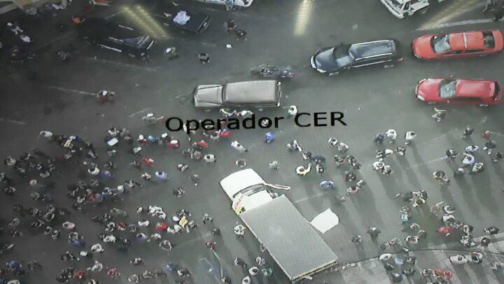 Servidores em greve e Guarda Municipal entram em confronto em Porto Alegre https://t.co/qoTr0cTFfg