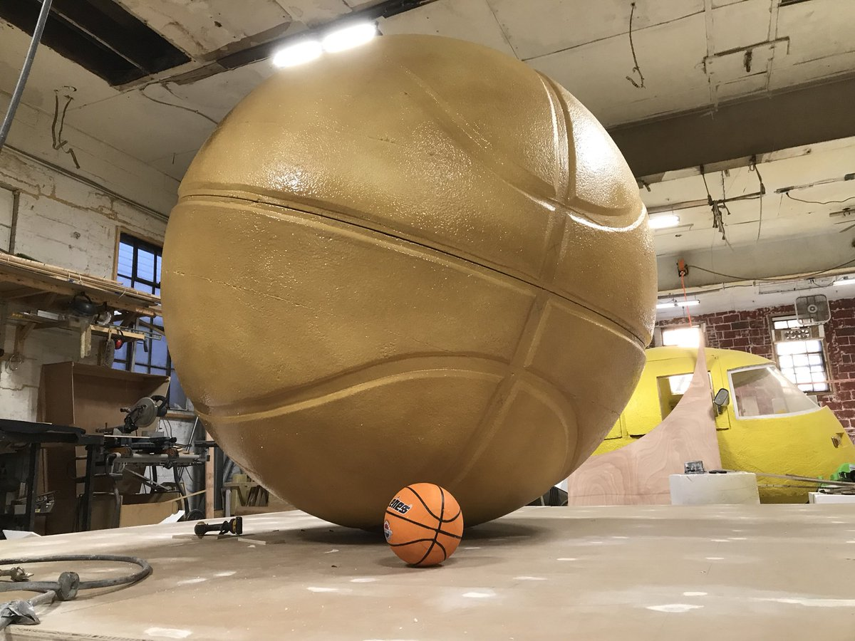 Call: Do you have an 8ft basketball? Us: No, but give us a week.  #eventprof #adage #activation #EventPlannersTalk #StreetArt #KingOfHuge<br>http://pic.twitter.com/0hFR89r8N2
