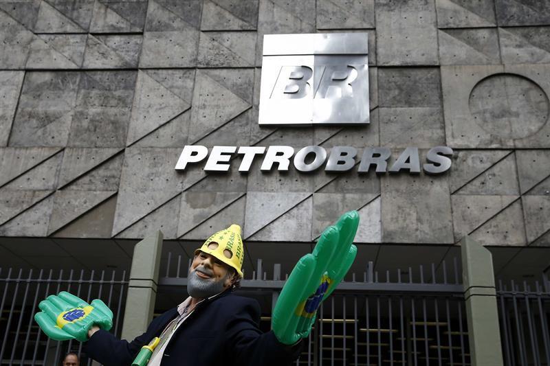 Ex-gerente da Petrobras é preso em nova fase da Lava Jato no Rio https://t.co/8QJgOlglRQ