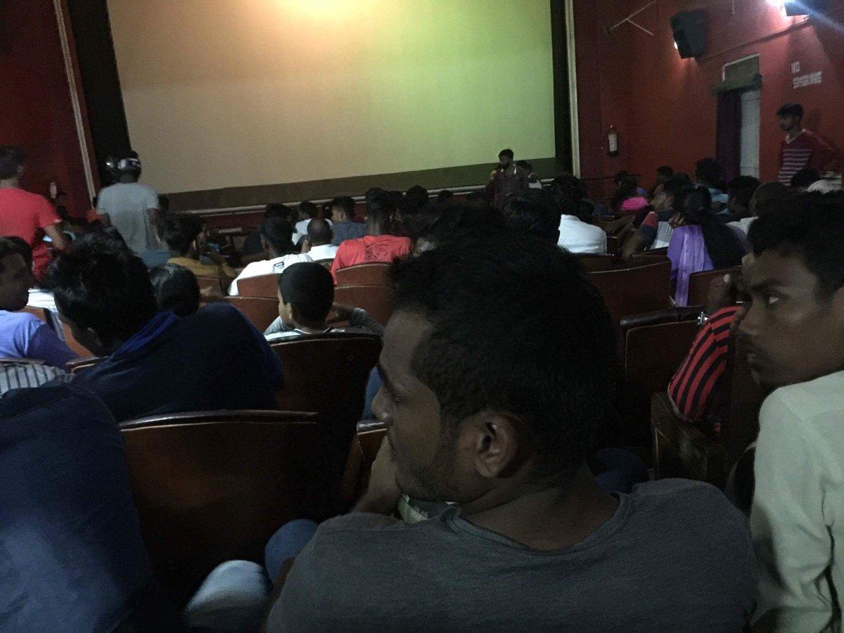 Massive Family audience 4 #Mersal  #MersalinSrilanka #Housefullshows   <br>http://pic.twitter.com/IvFSNzslir
