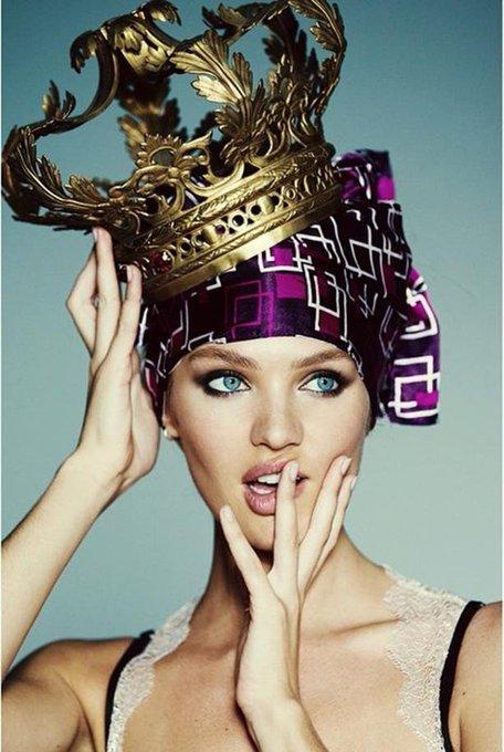 Happy bday Candice Swanepoel! La modelo llega a los 29 años de vida.