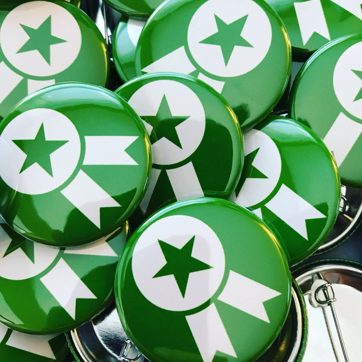 Put anything on a button! Visit  http://www. buttonplanet.com  &nbsp;   to get started!! #green #ribbon #star #starribbon #anythingyouwant #getstartednow<br>http://pic.twitter.com/Ax5sgiWUot