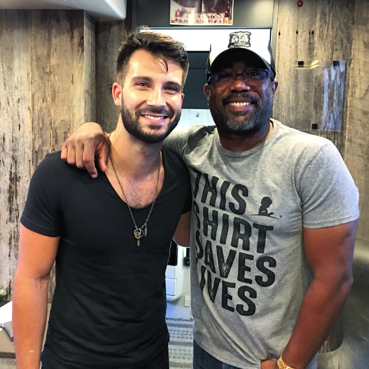 Get his new album #WhenWasTheLastTime now! It's soo good.  @dariusrucker #newmusic #MitchellLee #TheVoice  #DariusRucker #Hootie #Charleston #SouthCarolina #artists<br>http://pic.twitter.com/rHktrmetOL