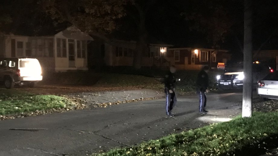 Police investigating drive-by shooting; witnesses say 10-15 shots fired https://t.co/oP2XEjW7Rf