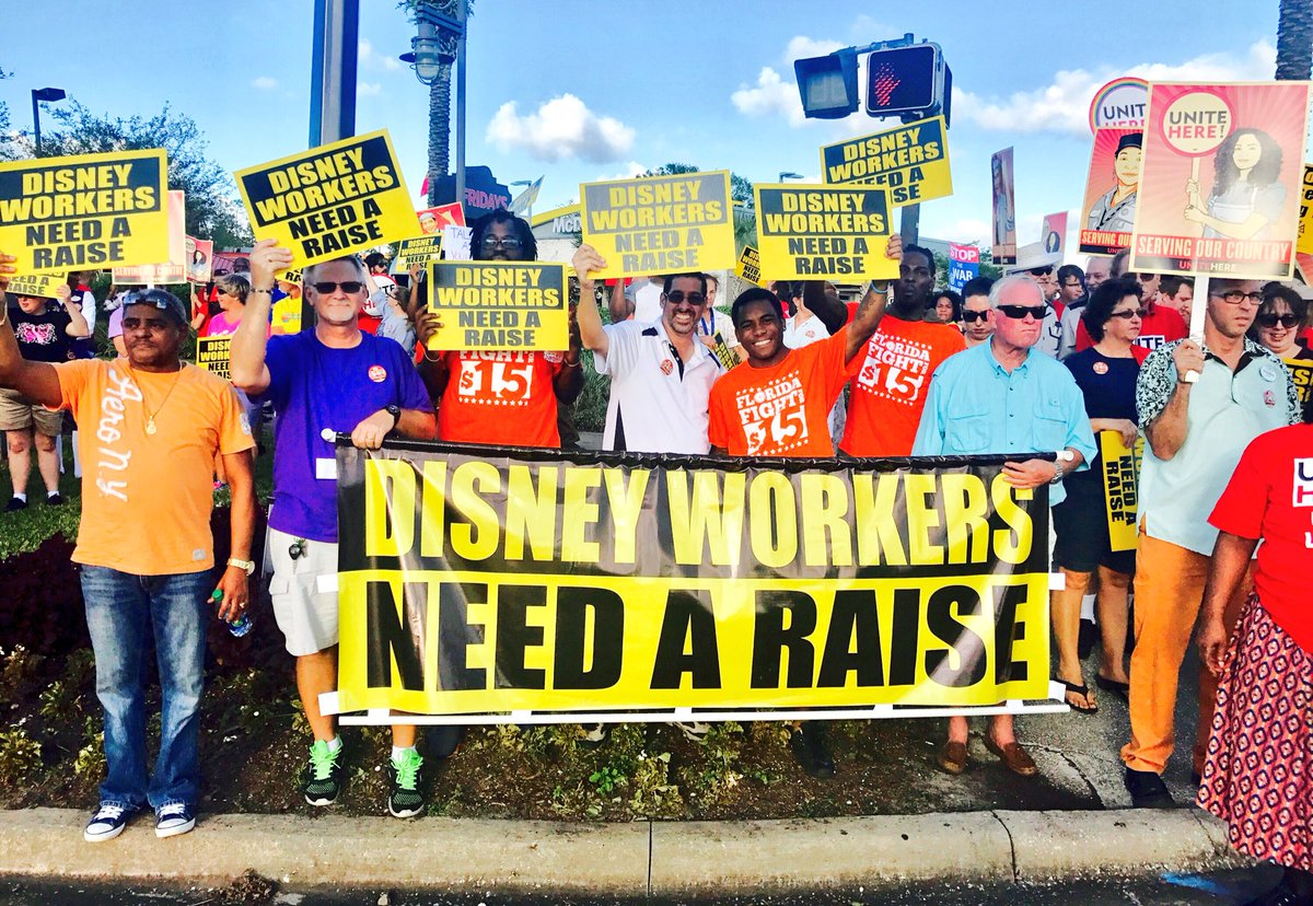 POWERFUL Action yesterday standing up with @Disney workers fighting for a fair #LivingWage! #Fightfor15 #Solidarity We WILL Win! <br>http://pic.twitter.com/JHAVFF05pD &ndash; à Walt Disney World Entrance