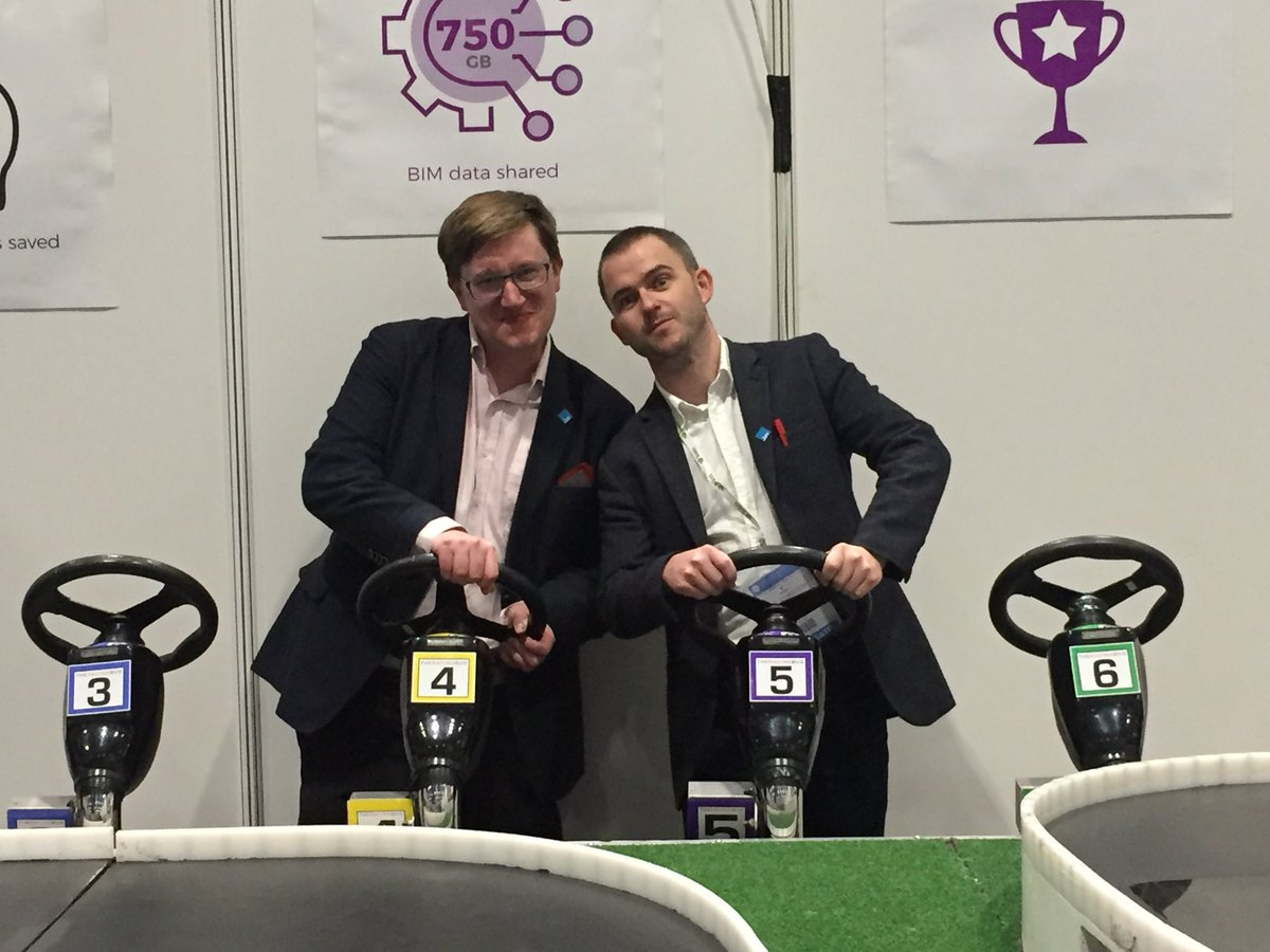 Place your bets please! @spudule @dotbuilte @DigiConWeek #funtimes <br>http://pic.twitter.com/c8E0HVdjlm