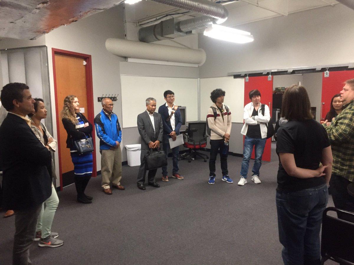 Tour by @ajmargida @AccelerateAkron @J_Peplowski @globaltiesakron #Tech #Accelerator #entrepreneurs #TheSoftwareGuild @AKEntrepreneurs<br>http://pic.twitter.com/UPTqY1KlSe &ndash; à Akron Global Business Accelerator