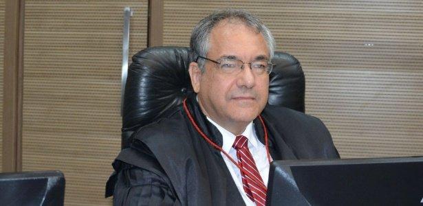 Desembargador apoia o juiz Bretas   'Lava Jato é Diretas-Já do novo Brasil', diz presidente da 2ª instância no Rio https://t.co/TCBJiJOGw1