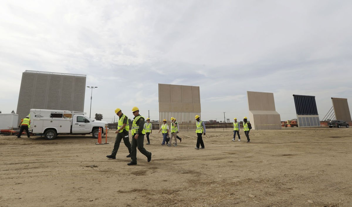 A first look at the eight prototypes for President Trump's proposed border wall took shape Thursday in #SanDiego. https://t.co/TCzVayQZsA
