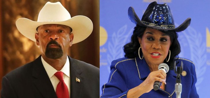 Big hat enthusiast Sheriff David Clarke attacks Frederica Wilson for her big hat https://t.co/8yzYBCiQLw