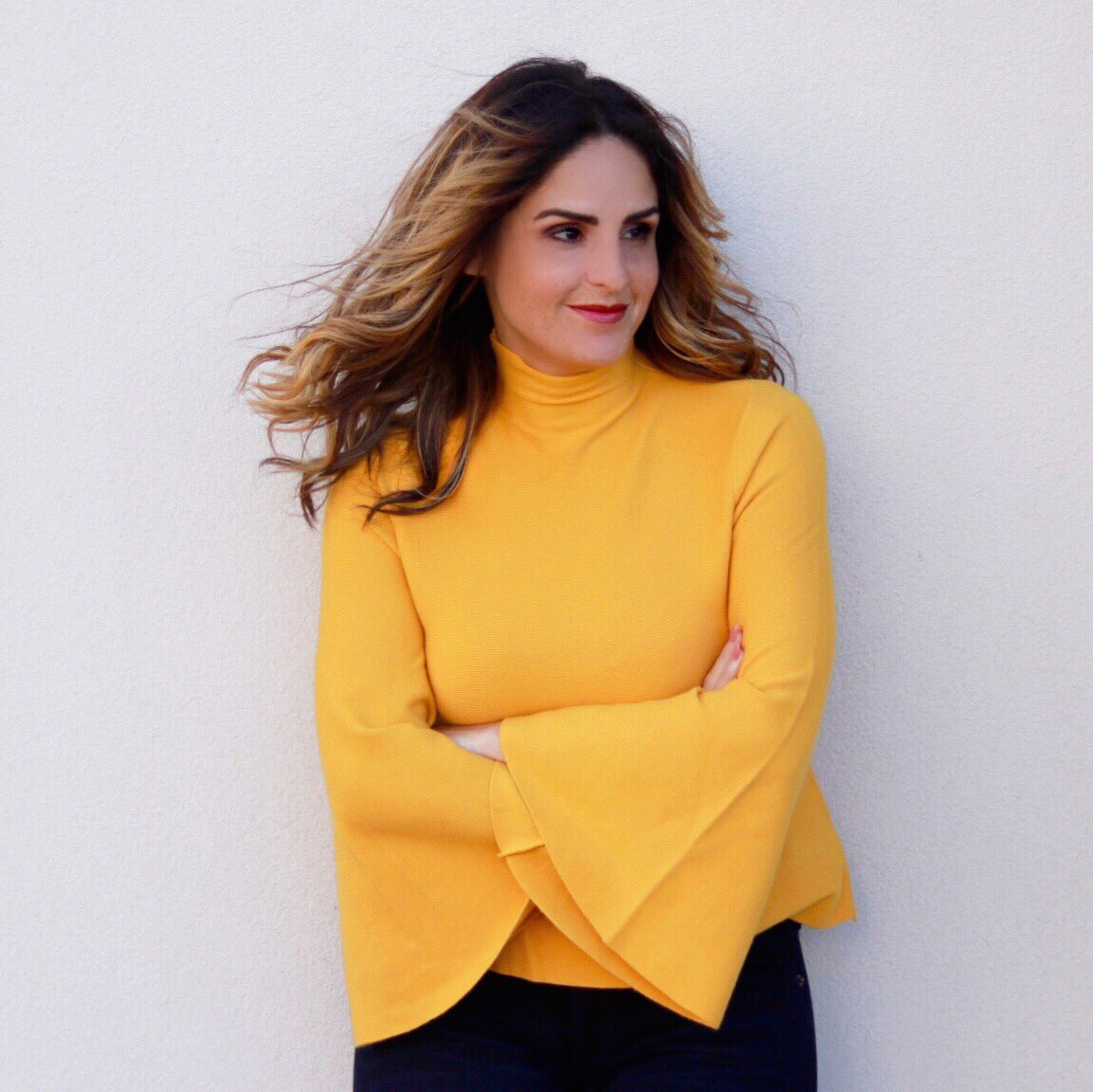 Look at the stars, look how they shine for you, and everything you do, yeah they were all yellow  I'm playing w/more fall brights w/this yellow dramatic bell-sleeve top. Shop my outfit on #liketkit:  http:// liketk.it/2t88R  &nbsp;   #ootd #fallfashion #fabeveryday #expresslife<br>http://pic.twitter.com/6VMeUcTpHk