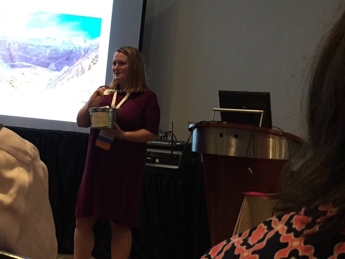New ideas live in space between disciplines @whywhatnot I'm excited next #humanities leaders are artists in academia @ComicNurse #asbh17<br>http://pic.twitter.com/nrqpoZDd4L
