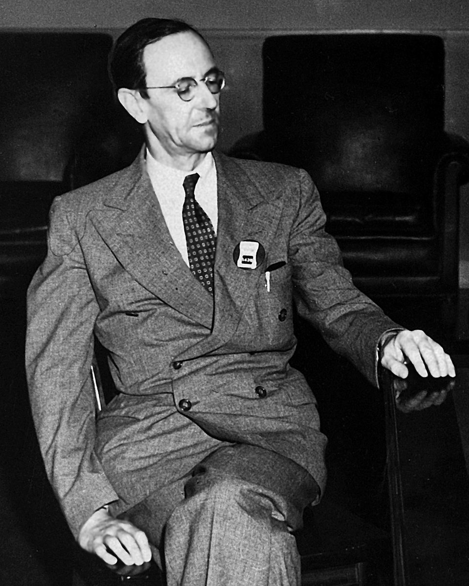 Sir James Chadwick FRS, who was awarded the Nobel Prize in Physics for his discovery of the neutron, born #onthisday https://t.co/JYd1rZdi7c