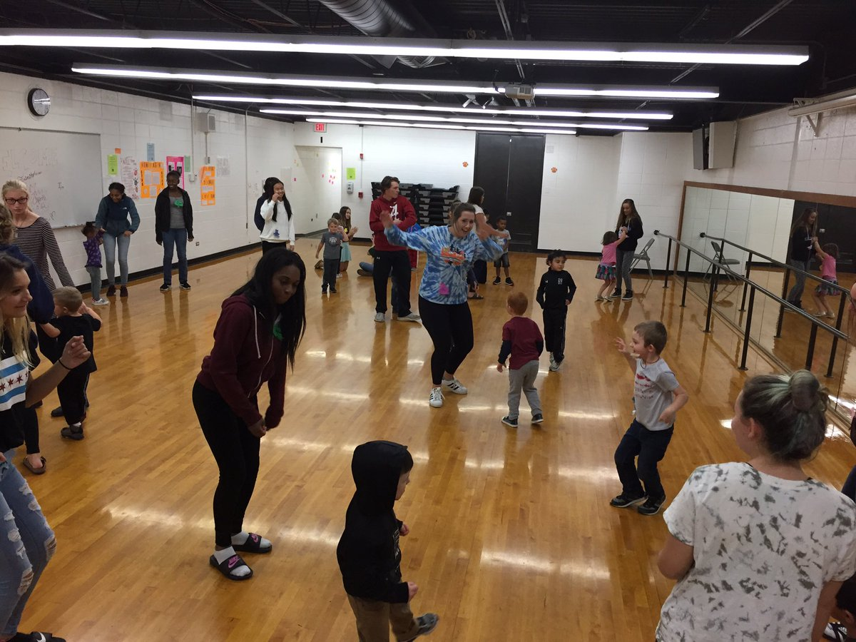 huskie preschool on twitter yesterday we got to play freeze dance to fun halloween songs in the dance room