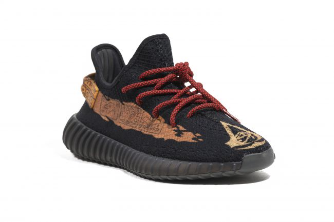 Assassin&#39;s Creed #Yeezy&#39;s.   DOPE OR NOPE? <br>http://pic.twitter.com/9gp0Wf58p6