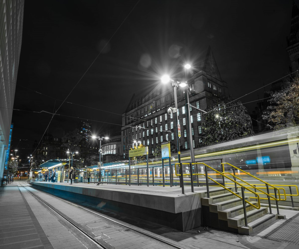 New MCR night shot, hope you like &amp; retweet #Manchester <br>http://pic.twitter.com/MAHLP8KVXo