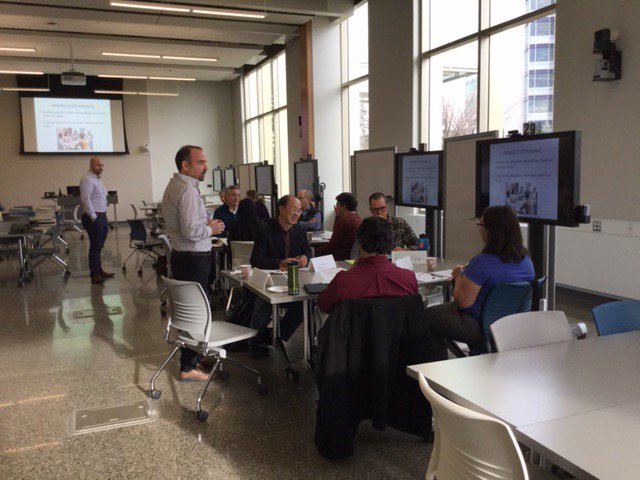 How can #growthmindset affect #evaluation and #teaching? This question + more discussed @ today&#39;s @UofC_Science growth mindset #workshop.<br>http://pic.twitter.com/mtcSOjfMx2