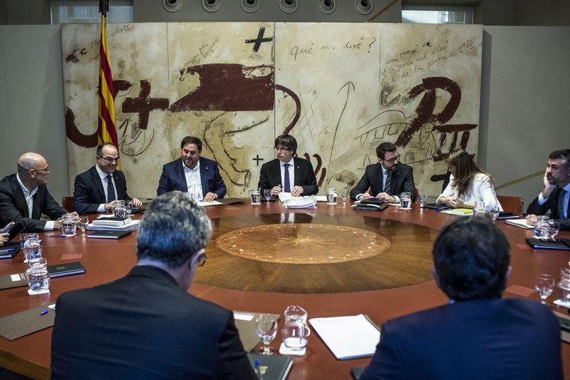 Catalans seek to use Spain debt as leverage in secession tussle https://t.co/WiK6sEN7hN via @estebanduarte4