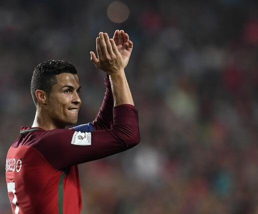 CLASS: @Cristiano Ronaldo has reportedly paid for treatment of the 370 wounded people in the Portugal wildfires.  Incredible gesture. 🇵🇹👏