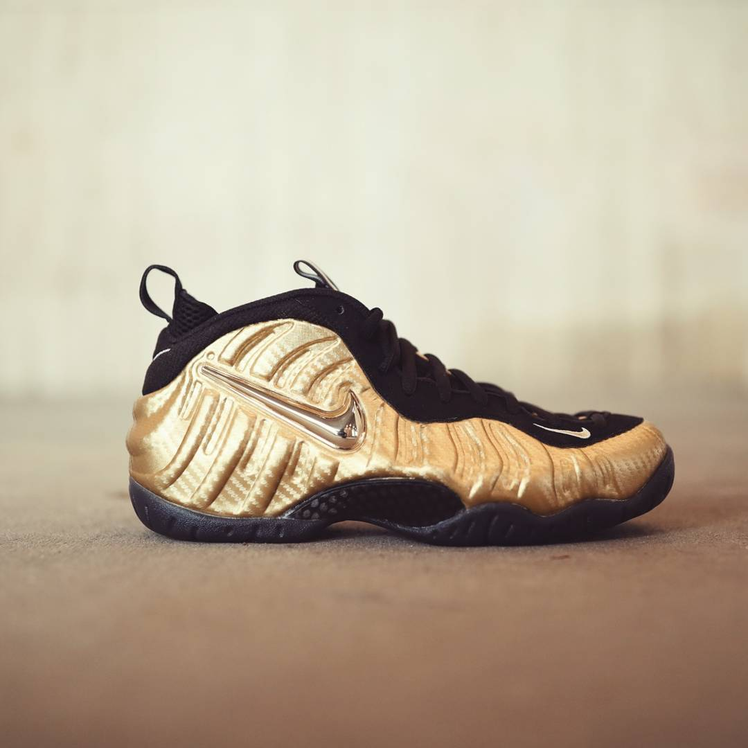 a3b34135c4668 gold for the whole family the nike air foamposite pro is available now at  select footlocker