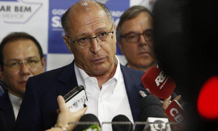 Alckmin diz que vai aguardar posição de Aécio sobre presidência do PSDB https://t.co/ldub1RdsMT