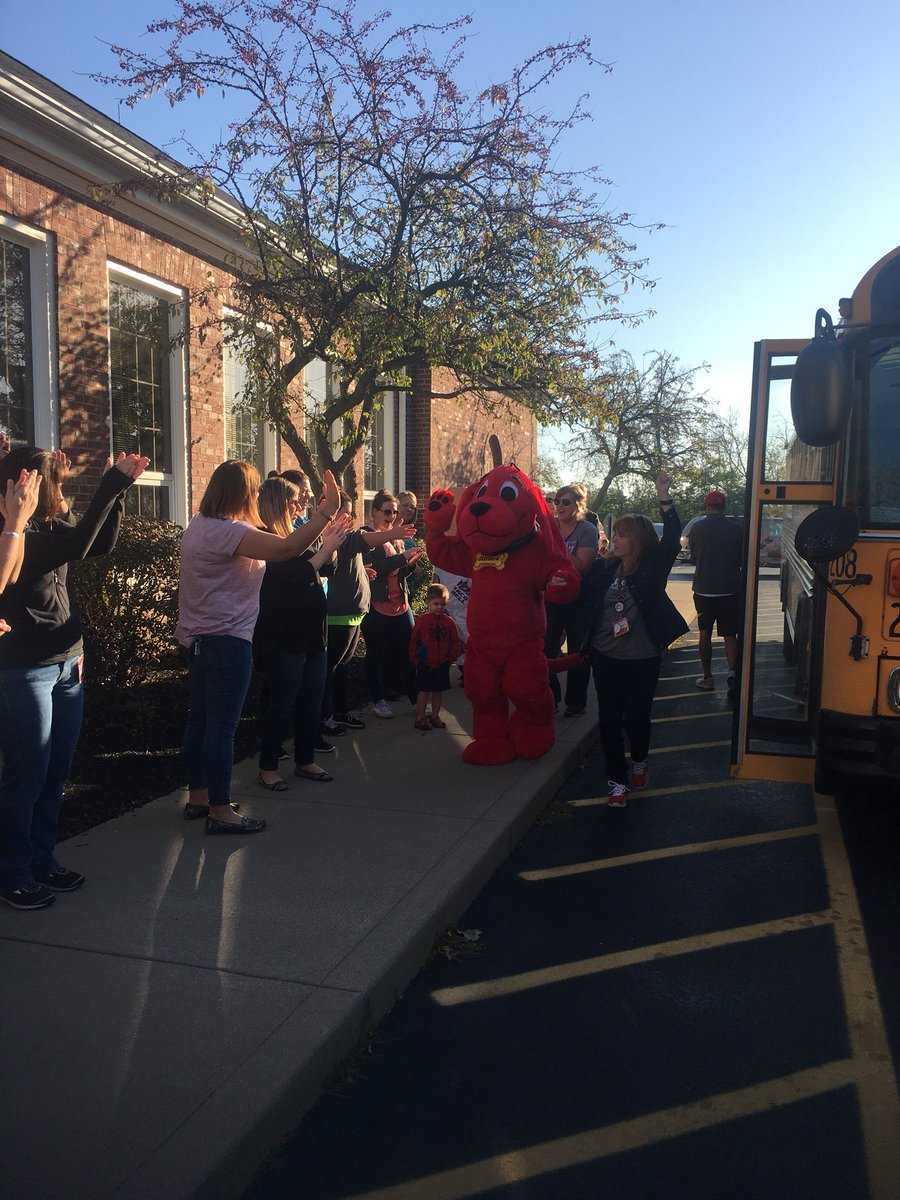 Fanfare @LibertyECS a great day! I wish every community member could see the smiles on the faces of our students #WEareLakota #Engagement <br>http://pic.twitter.com/jKBB2Sc2Fe
