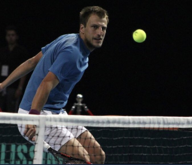 WOW! What a moment! We have an all Bosnian semifinal in Moscow! Mirza Bašic wins and will face @DzumhurDamir next!! #BIH #ATP <br>http://pic.twitter.com/CjeW86wNAt