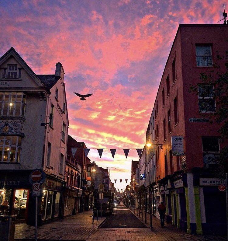 Wow Oliver Plunkett Street, Cork City .  by @deirdrops   #sun #sky #storm #friday #amazing #cork_daily #ireland #irish_daily<br>http://pic.twitter.com/KgssIMOIje