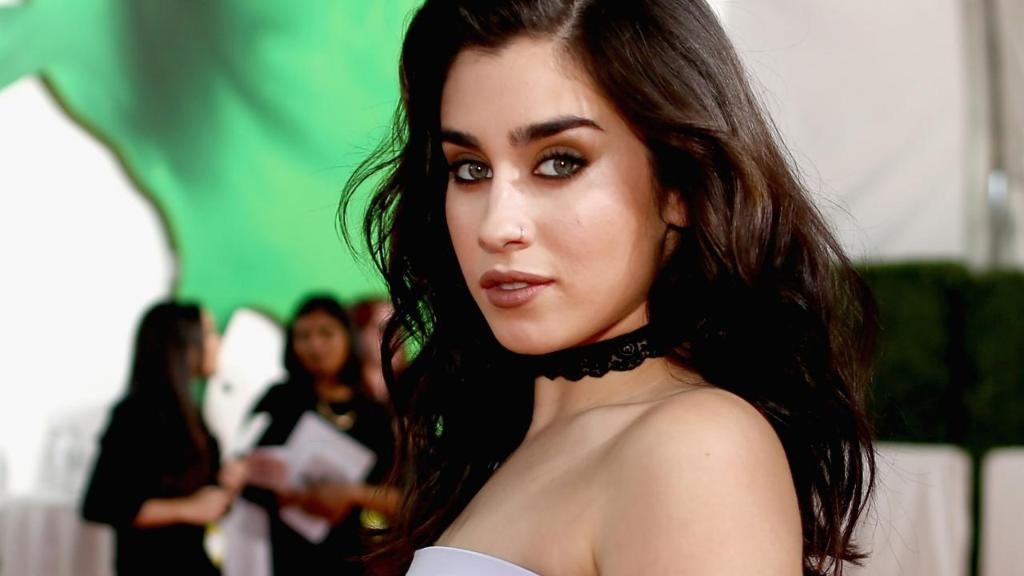 Fifth Harmony's @LaurenJauregui on her cultural identity and self confidence: 'I love who I am.' https://t.co/5i7HFAdIHZ