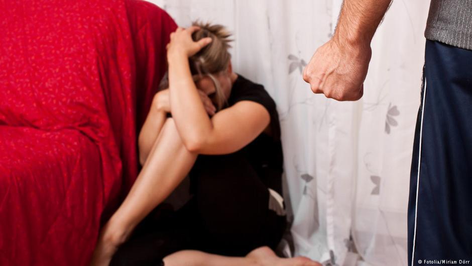 Видео принудил жену к сексу фото самых красивых