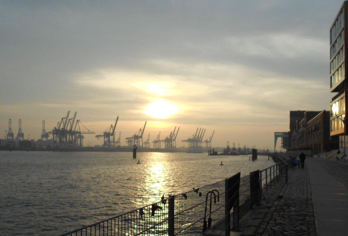 #sunset #port #autumn #hamburg today  <br>http://pic.twitter.com/WDwyacM4v8