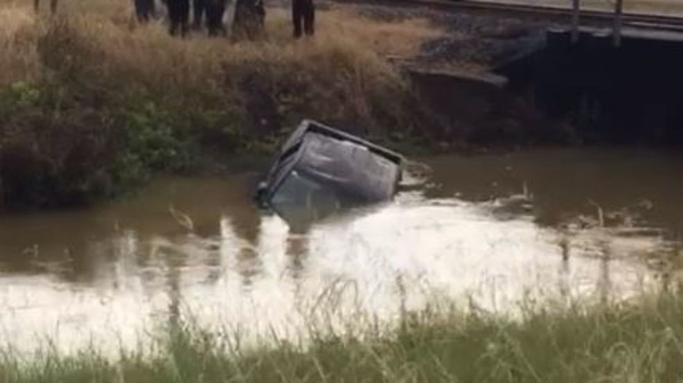 Man falls asleep behind wheel and drives into a Beaumont canal https://t.co/Zxs6XWyorT