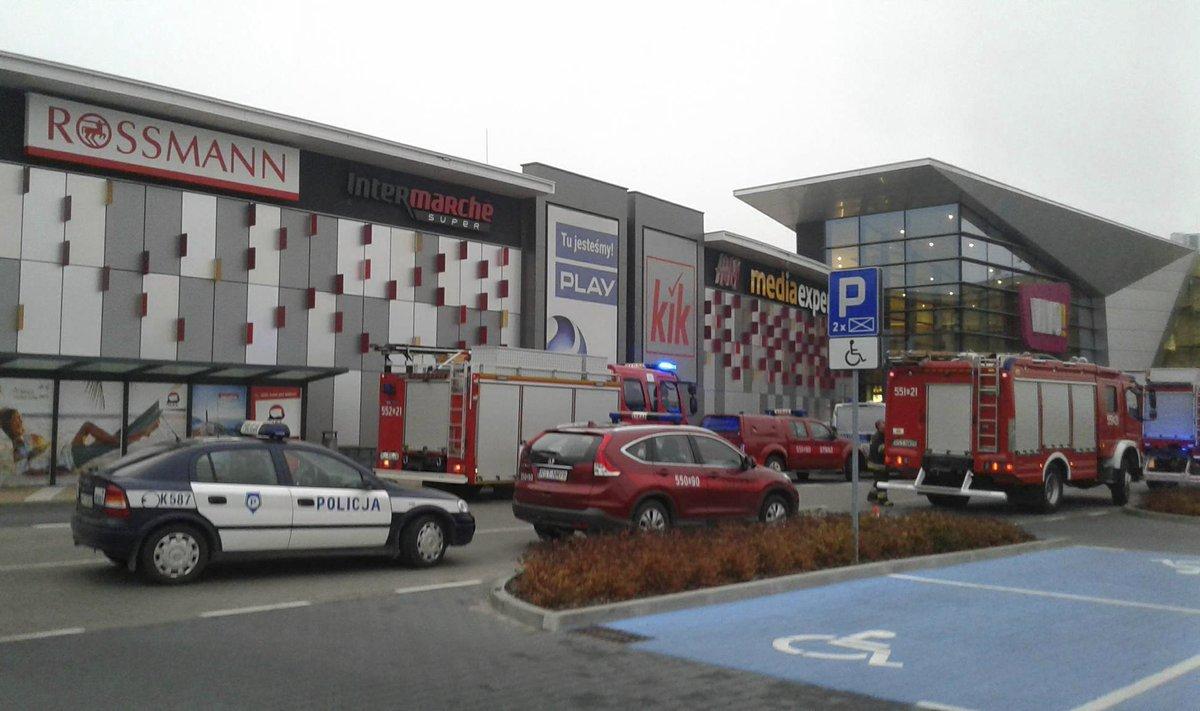 Polish police: No terror motive in mall attack https://t.co/OzYhnXhAG6
