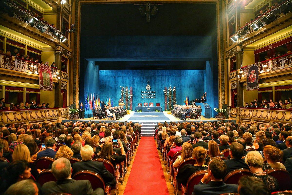 Un orgullo asistir en el Teatro Campoamor de Oviedo a los #PremiosPrincesadeAsturias. Felicidades a todos los galardonados