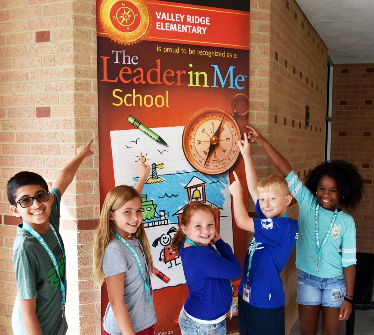 Numerous Valley Ridge Elementary students setting positive examples, taking ownership of school:  http:// bit.ly/2io8zaI  &nbsp;  . #VREjags #leaders <br>http://pic.twitter.com/cIbf742AP0