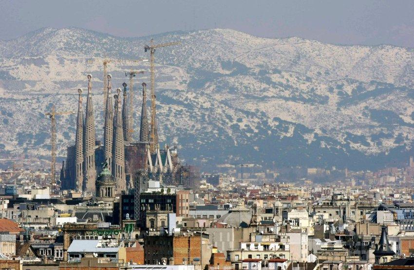 Barcelona: Über Tausend Firmen verlegen Hauptsitz aus Katalonien https://t.co/ETyNnfKlB5