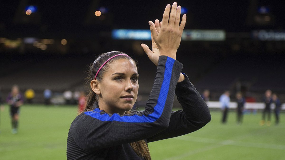 .@alexmorgan13 looks to extend her #USWNT goal-scoring streak to five.   2 p.m. ET | ESPN |  http:// ussoc.cr/29a2  &nbsp;  <br>http://pic.twitter.com/l75NHASkZy