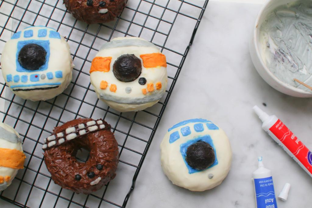 You donut want to miss these tasty Star Wars treats. https://t.co/mKat5aUuOg https://t.co/fTOaBaOhX4